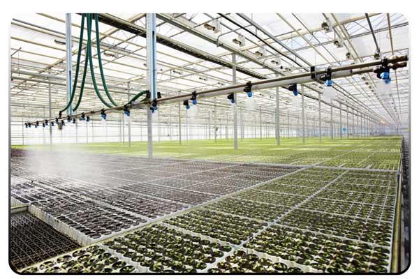 بخش های مختلف سیستم آبیاری در گلخانه